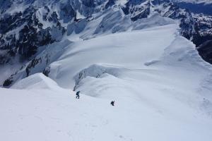 Descending upper slopes of Footstool